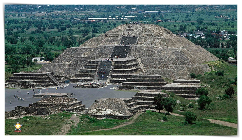 Pirámide de la Luna Teotihuacan
