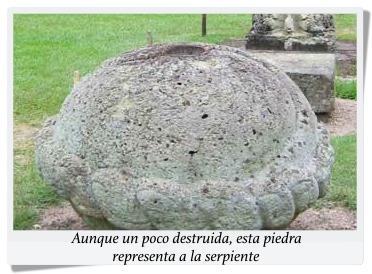 Serpiente en piedra copan texto